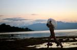 Anak Rumput Laut berkejaran dengan senja