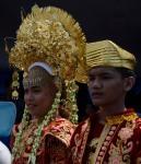 Kota Bima_Peserta pawai dari Ikatan Keluarga Minang Sakato Bima (IKMSB)