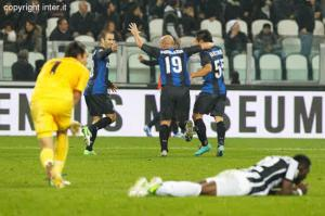 Inter Milan_Sungkurkan Juve