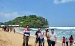 PK-9 di Indrayanti beach
