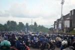 Rangga Muslim Perkasa (15), suporter PSIM bersiap pulng