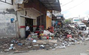 akibat-banjir_tumpukan-sampah-dan-lumpur_2