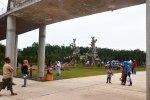 Masjid Agung 99 Cahaya Asmaul Husna Baitus Shobur _ jembatan dan taman bermain